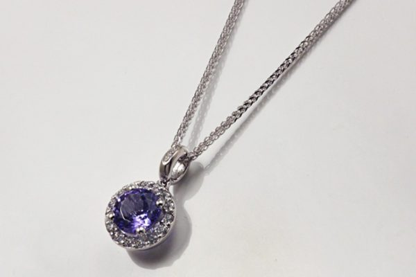 GIROCOLLO CON TANZANITE CT. 0.98 E DIAMANTI CT. 0.13